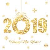 新年快乐2019年 装饰字体由漩涡和花卉元素做成 在白色隔绝的金黄数字和圣诞节花圈