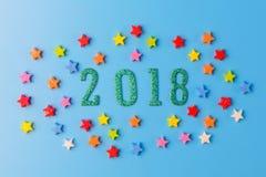 2018新年概念 小组在2 0 1 8 nu附近的五颜六色的星 库存图片