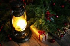 新年结构的圣诞树分支装饰了wi 免版税库存图片