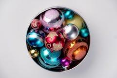 新年,圣诞节装饰 与玩具球的冷杉分支 库存图片