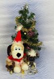 新年` s与圣诞老人和逗人喜爱的狗的照片卡片 库存照片