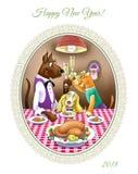 新年` s伊芙晚餐 狗坐在欢乐桌上 免版税库存图片