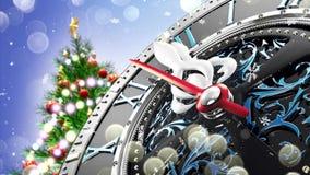 新年` s在午夜-有星雪花和假日光的老时钟 股票录像