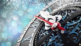 新年` s在午夜-有星雪花和假日光的老时钟 影视素材