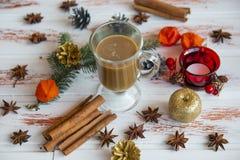 新年` s杯热的咖啡 一个杯子新近地煮的咖啡 免版税图库摄影