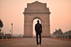 新德里,印度, 2017年11月24日:访客印度门清早 库存照片