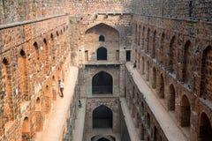 新德里,印度-大约2017年11月:Ugrasen ki Baoli台阶  免版税库存照片