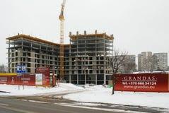 新房的建筑在立陶宛维尔纽斯市Fabijoniskes区 免版税库存照片