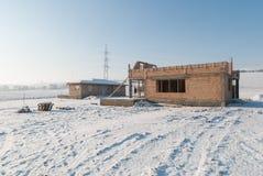 新房建筑在冬天 免版税库存照片