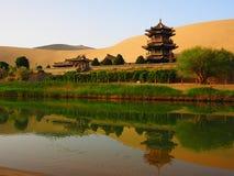 新月形月亮春天,敦煌,甘肃,中国 免版税库存图片