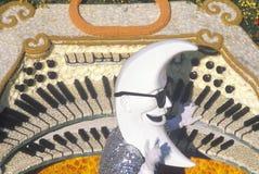 新月形月亮浮游物在玫瑰杯游行,帕萨迪纳,加利福尼亚 库存图片