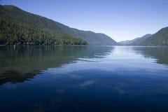 新月形湖 免版税库存照片