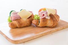 新月形面包三明治火腿乳酪 免版税库存照片
