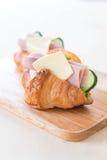 新月形面包三明治火腿乳酪 库存图片