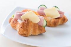 新月形面包三明治火腿乳酪 图库摄影