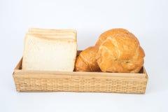新月形面包和面包 图库摄影