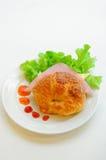 新月形面包火腿乳酪 免版税库存照片