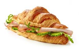 新月形面包用火腿和黄瓜 免版税库存照片