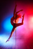 新杆舞蹈妇女 免版税库存图片