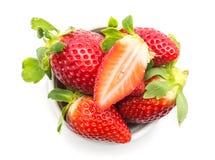 新查出的草莓白色 免版税图库摄影
