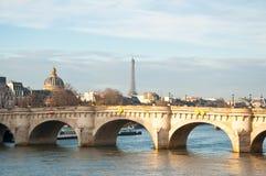 新桥。巴黎,法国。 免版税库存照片