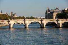新桥和在巴黎援引海岛, 库存图片