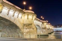 新桥在晚上,巴黎 免版税库存照片