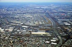 新泽西收费公路和纽华克自由国际机场的鸟瞰图 库存照片