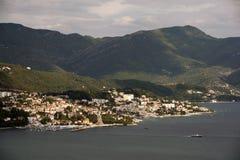 新海尔采格-沿海城市在黑山找出入口到科托尔湾 免版税库存照片