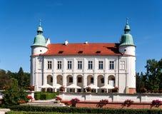 新生城堡在Baranow,波兰 免版税库存照片