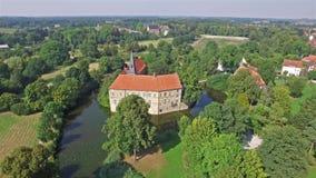 新生城堡的鸟瞰图在Luedinghausen,德国 股票录像
