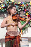 新生Faire小提琴手 免版税库存图片