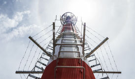 新电信塔或磁单极子 免版税库存照片