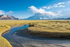 新疆,中国- 2015年5月21日:在Karakul湖的早晨视图 F. stratocaster电吉他 图库摄影
