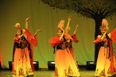 新疆维吾尔舞蹈2011舞蹈课毕业音乐会党 免版税库存图片