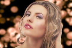 新白肤金发的妇女方式纵向  库存图片