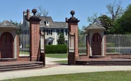 新的伯尔尼, NC :1770 Tryon宫殿入口门 库存照片