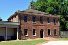 新的伯尔尼, NC :1770 Tryon宫殿槽枥 免版税库存照片