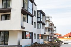 新的住宅区在布拉索夫,罗马尼亚 库存图片