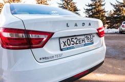 新的俄国汽车与牌照的Lada Vesta的后面零件 免版税库存图片