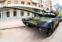 新的军事修改了俄国在g的军队主战坦克T-72B3M 免版税图库摄影