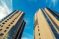 新的大厦公寓夫妇  免版税库存照片