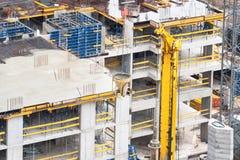 新的大厦的具体基础的建筑 免版税库存照片