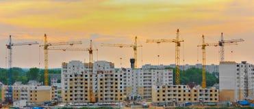新的大厦的建筑 免版税库存照片