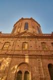 新的大教堂侧视图 图库摄影
