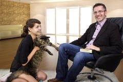 新的家庭宠物猫 免版税库存照片