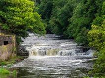 新的拉纳克瀑布在苏格兰 库存图片