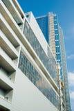 新的摩天大楼和蓝天 免版税图库摄影
