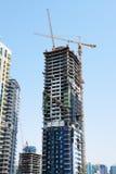新的摩天大楼的建筑在迪拜市 免版税库存图片