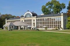 新的橘园在Lazienki公园在华沙 库存照片